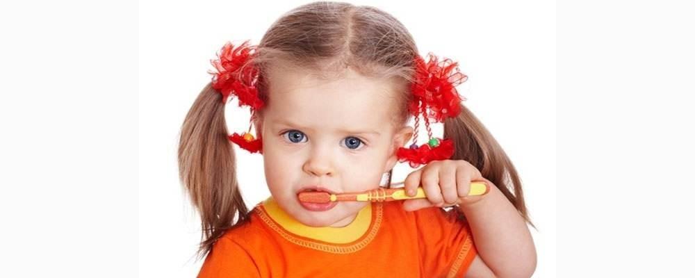 Обучение чистке зубов детей и родителей, с подбором средств гигиены (6+)